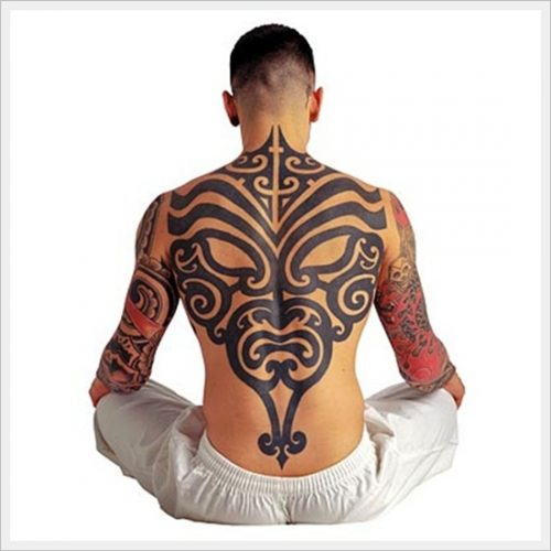 18 tatuajes tribales en la espalda