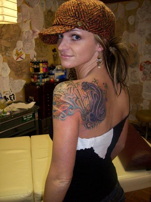 35 Tatuajes Muy Bellos Para Las Mujeres - Tatuajes-hombro-y-brazo-mujer