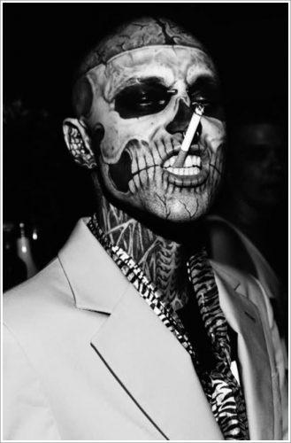 28 tatuajes en la cara