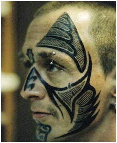 3 tatuajes en la cara