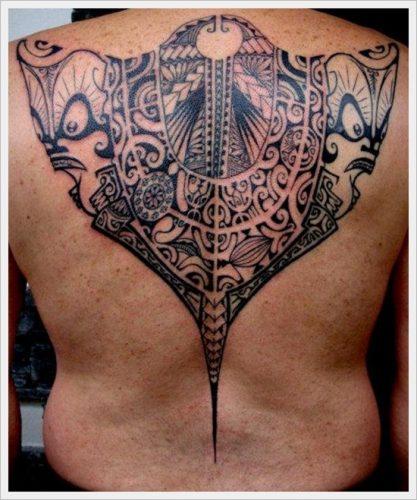32 tatuajes tribales en la espalda