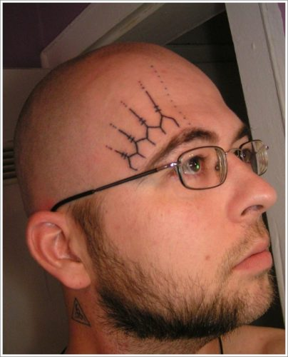 4 tatuajes en la cara