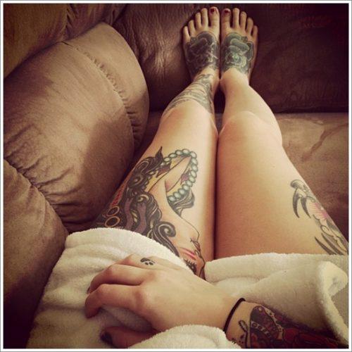 tatuajes en la pierna sexys para mujeres (31)