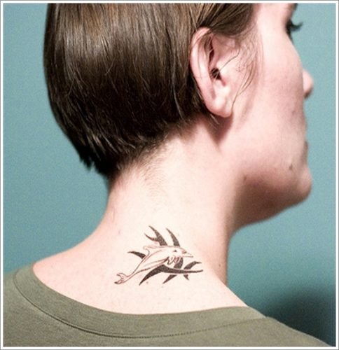 tatuajes de delfines diseños30
