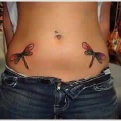 33 diseños de tatuajes de libélulas tiernos y sensuales
