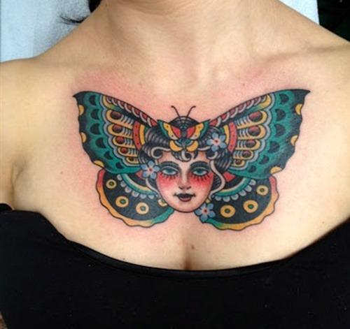 tatuajes en el pecho pectoral para mujeres25