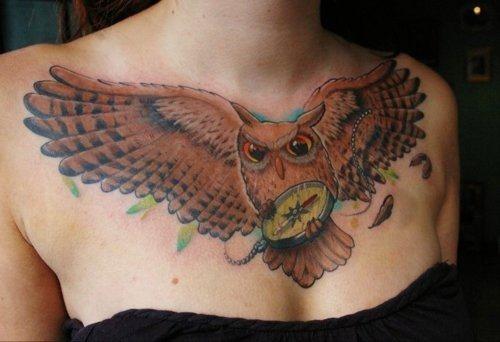tatuajes en el pecho pectoral para mujeres32
