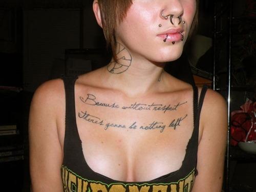 tatuajes en el pecho pectoral para mujeres4