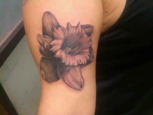tatuajes de flor narciso11