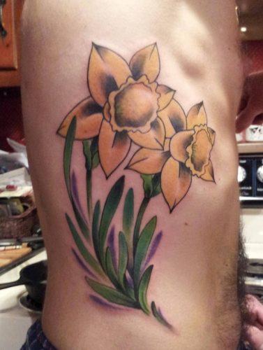 tatuajes de flor narciso18