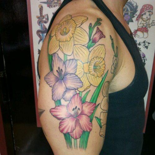 tatuajes de flor narciso25