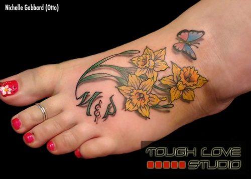 tatuajes de flor narciso8