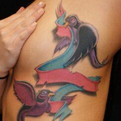 25 diseños de tatuajes de la cinta de cáncer