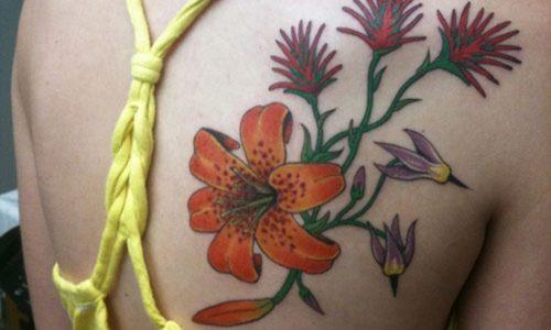 tatuajes de lirios de tigre4