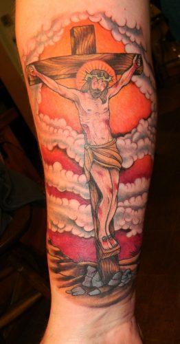 tatuajes de crucifijos2
