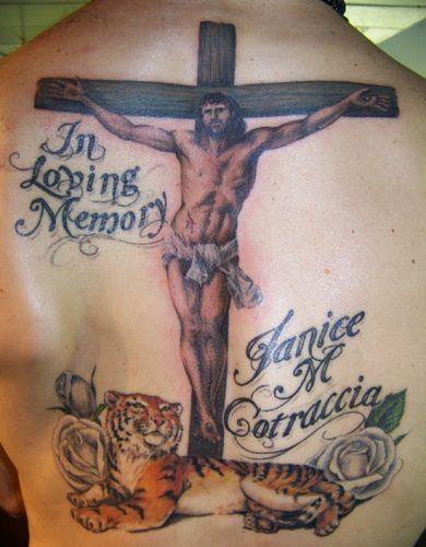 tatuajes de crucifijos24
