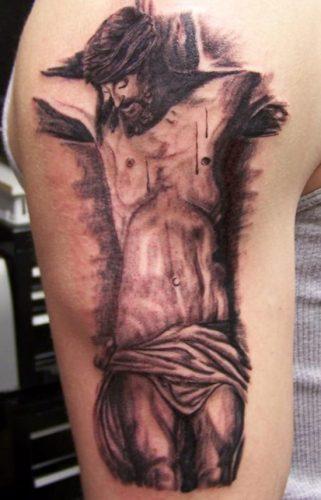 tatuajes de crucifijos4