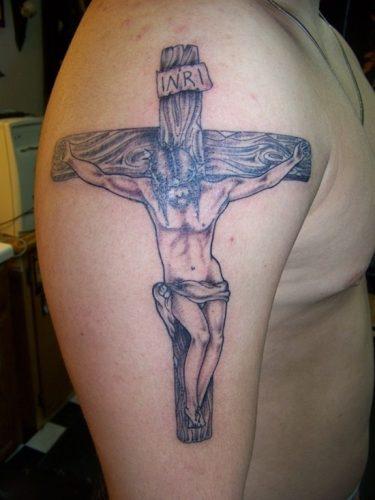 tatuajes de crucifijos6
