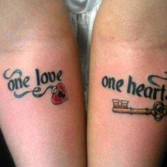 """30 tatuajes de amor """"Love"""""""