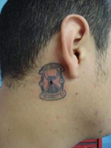 tatuajes de relojes de arena17
