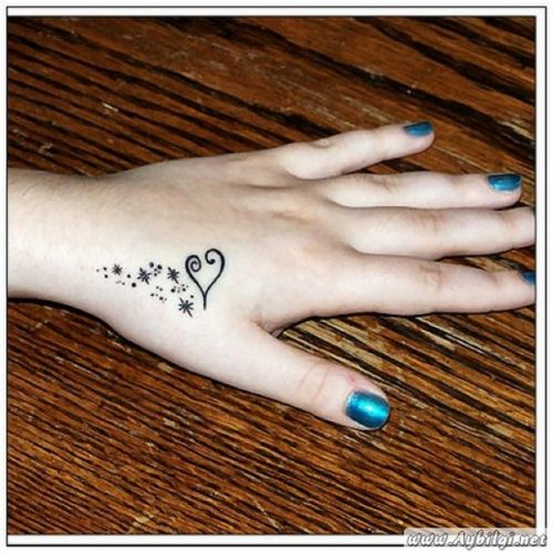 tatuajes-finos-para-mujer71