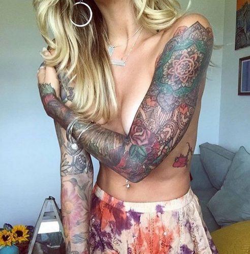 tatuajes-de-mujeres-fitness-inspiracion-sexy33