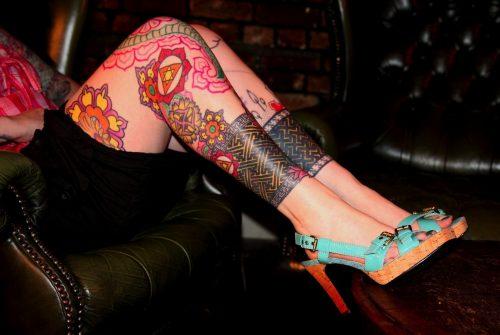 tatuajes-para-mujeres-en-la-pierna-39