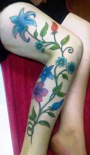 tatuajes-para-mujeres-en-la-pierna-42