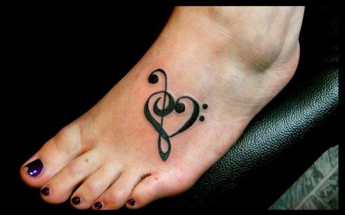 tatuajes-pequenos-de-notas-musicales-11