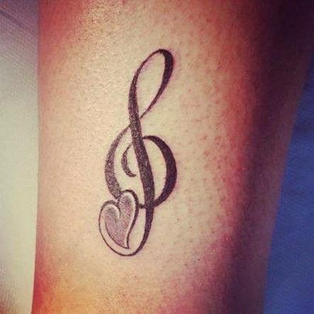 tatuajes-pequenos-de-notas-musicales-18