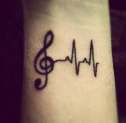 tatuajes-pequenos-de-notas-musicales-62