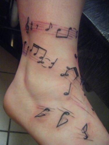 tatuajes-pequenos-de-notas-musicales-91