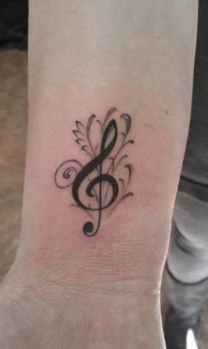 tatuajes-pequenos-de-notas-musicales-92