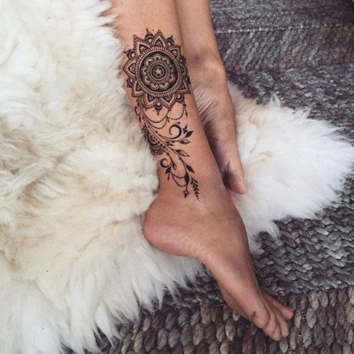 tatuajes-en-el-muslo-para-mujeres-1