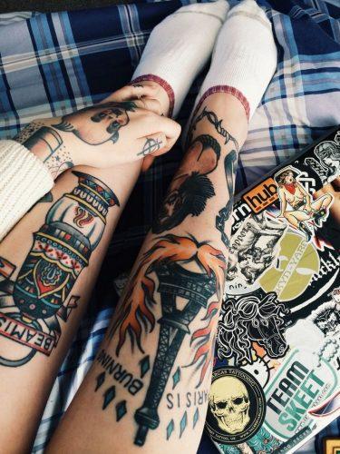 tatuajes-en-el-muslo-para-mujeres-11