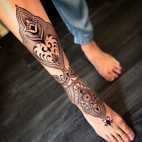 tatuajes-en-el-muslo-para-mujeres-3