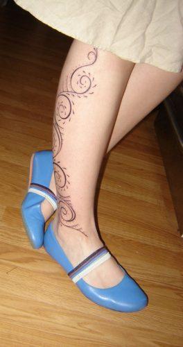 tatuajes-en-la-pierna-para-mujeres-delicados-3