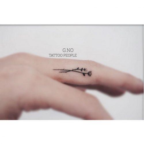 tatuajes-en-los-dedos-12