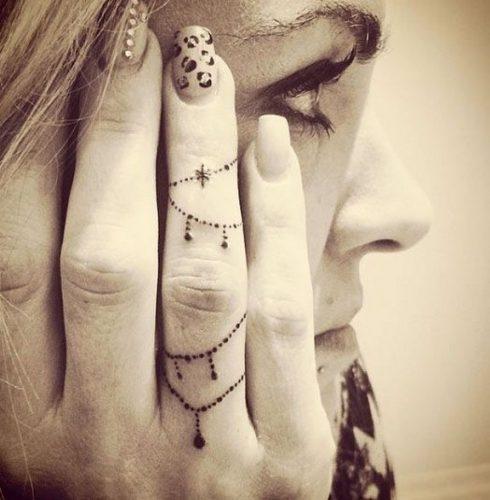 tatuajes-en-los-dedos-28