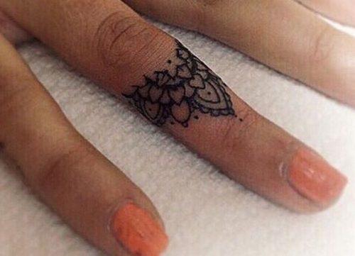 tatuajes-en-los-dedos-36