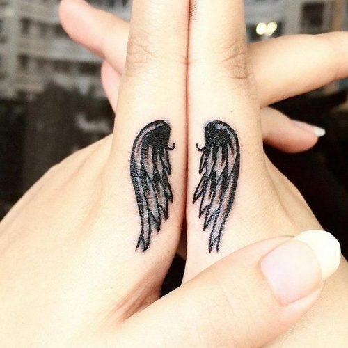 tatuajes-en-los-dedos-37