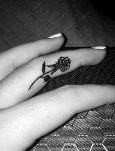 tatuajes-en-los-dedos-39