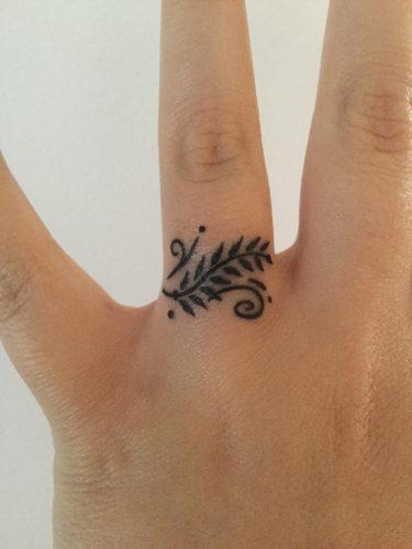 tatuajes-en-los-dedos-4