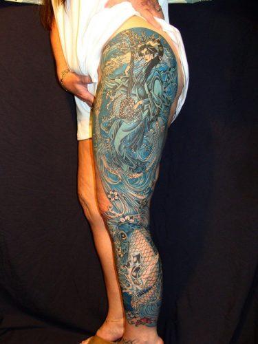 tatuajes-para-mujeres-en-la-pierna-arriba-8