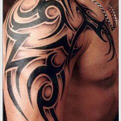 40 tatuajes tribales en los brazos para hombres y mujeres